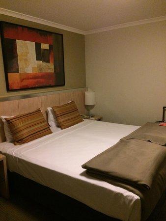 Travelodge Hotel Sydney Wynyard : ベッド