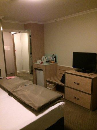 Travelodge Hotel Sydney Wynyard : 大きな鏡