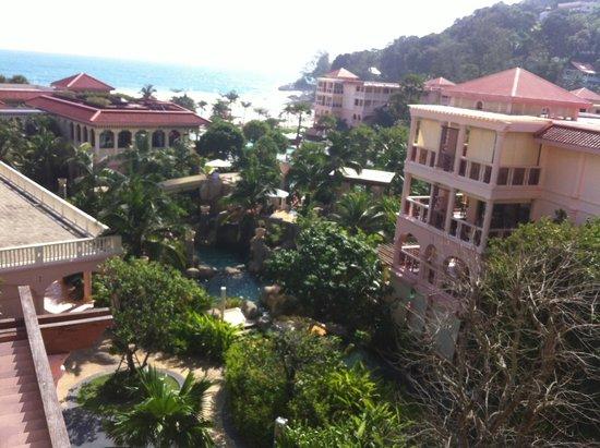 Centara Grand Beach Resort Phuket: 방에서 보이는 전망