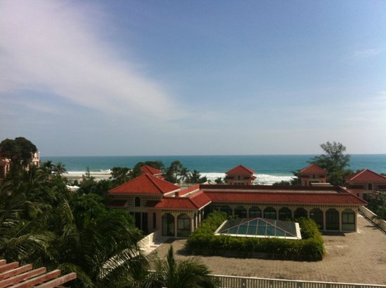 Centara Grand Beach Resort Phuket : 방에서 보이는 전망