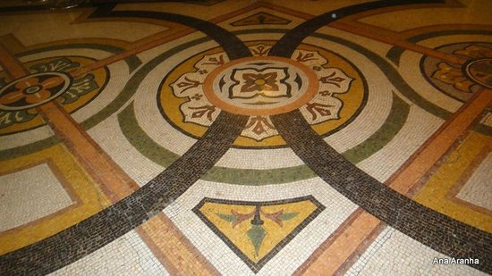 Opéra Garnier : Detalhe do  mosaico do piso.