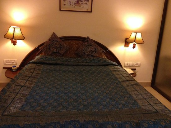 Shilton Suites: Bed