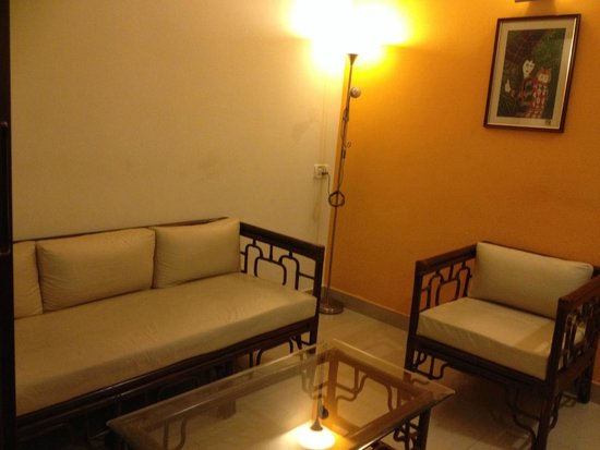 Shilton Suites: Sitting room of the suite