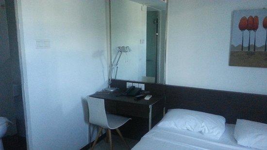 Harbour Ville Hotel: Dressing area