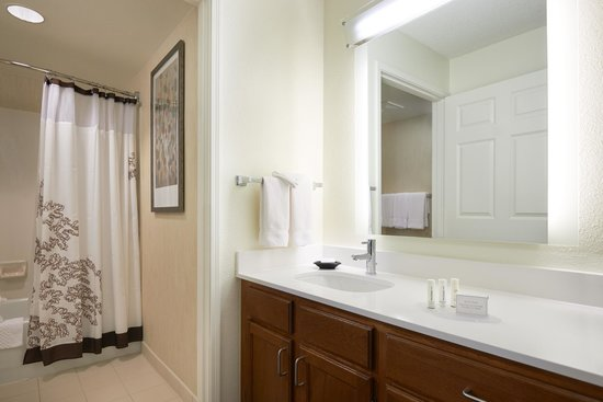 Residence Inn San Francisco Airport/Oyster Point Waterfront: Suite Bathroom