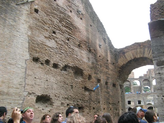 City Wonders: Arch into the arena