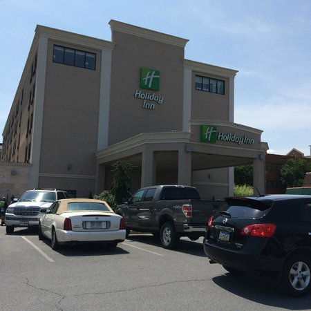 Holiday Inn Express Hotel & Suites Williamsport : Entrance