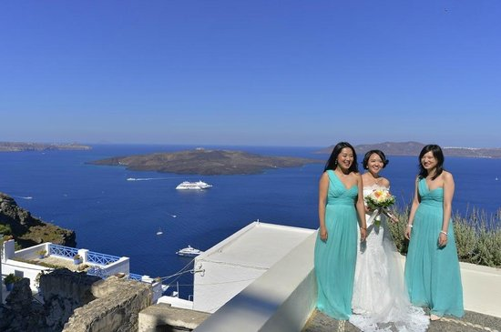 Enigma Apartments & Suites: Bride and Bridemaids on a little terrace of Enigma