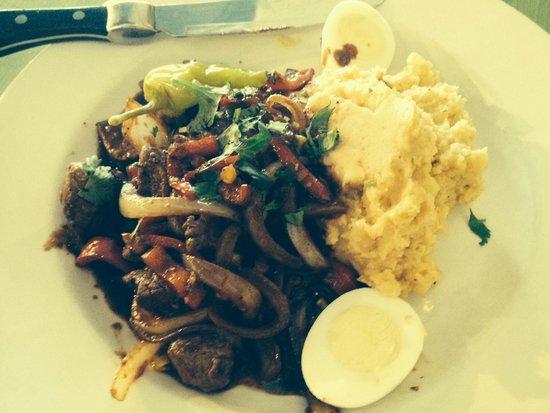 Sabor Latin Bar & Grill: Beef picadillo
