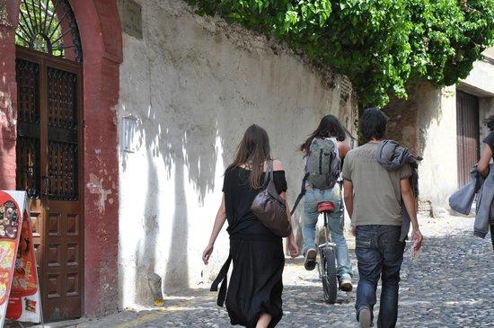 Albayzin: Narrow street