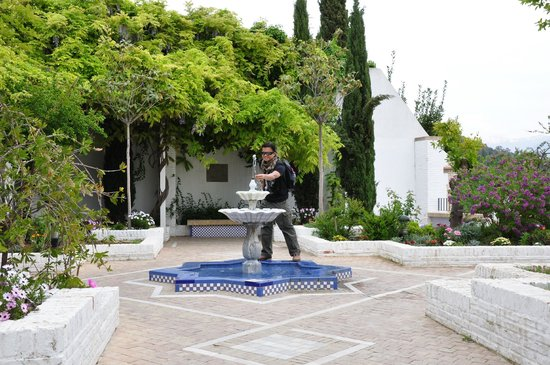 Albayzin: Mosque fountain