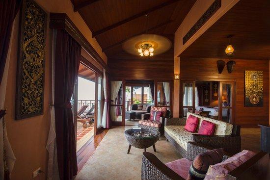 Sandalwood Luxury Villas: Lotus Villa Sitting Area