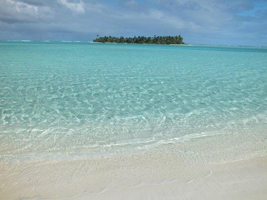 Aitutaki Beach Villas: Honeymoon Island
