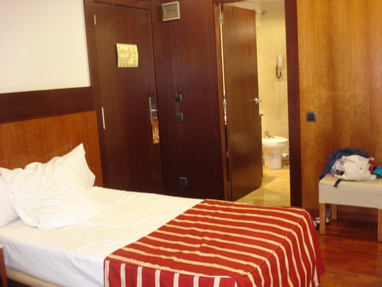 Catalonia Eixample 1864: Room