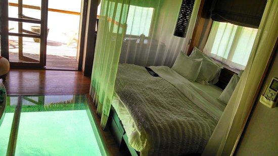 Le Meridien Bora Bora : Overwater bungalow