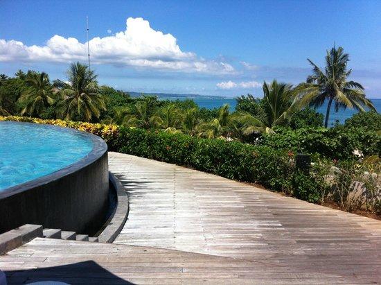 Sheraton Bali Kuta Resort: View from Pool again!!