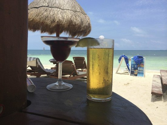 Beloved Playa Mujeres: Lunch on the beach