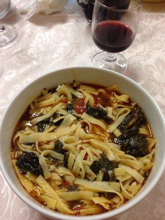 Trattoria Sale e Pepe: Pasta con i tenerumi