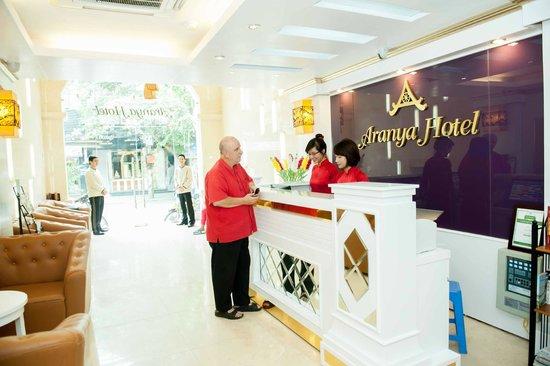 Aranya Hotel: Reception