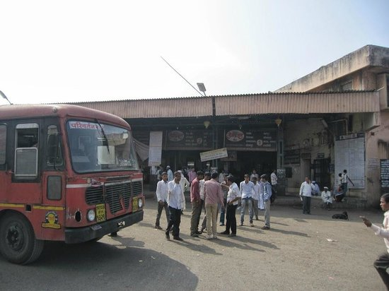 Beed, Indien: Ambajogai Bus Stand