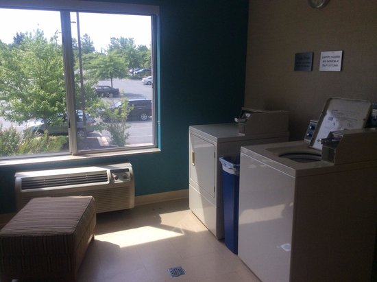 Fairfield Inn & Suites Germantown Gaithersburg: Laundry--free detergent and dryer sheets available from front desk!