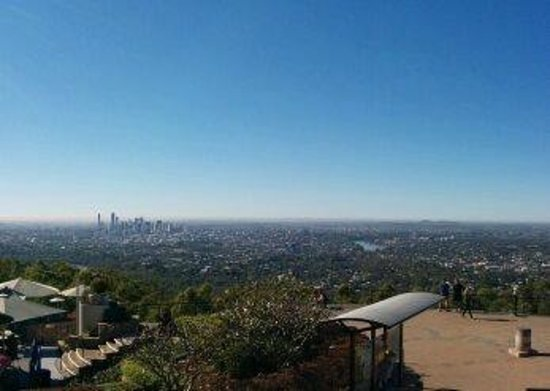 Mount Coot-tha Lookout: City view with the cafe in the foreground.