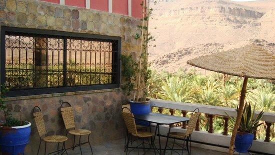 Auberge La Terrasse des Delices : Grande terrasse