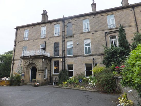Astley Bank Hotel: front of Hotel