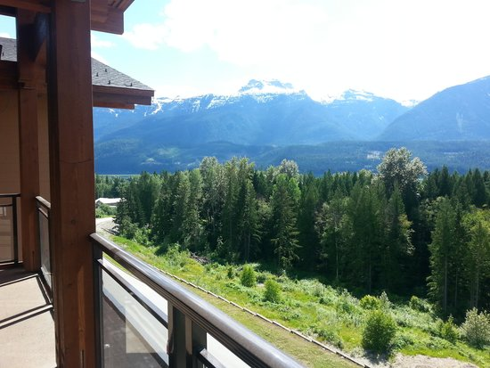 The Sutton Place Hotel Revelstoke Mountain Resort: View from suite balcony