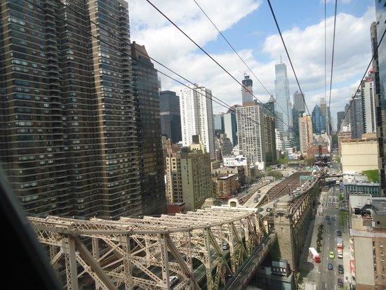 Roosevelt Island Aerial Tram: on the way back