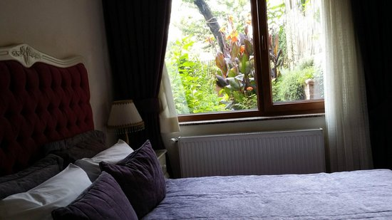 Istanbul Garden Suite: bedroom