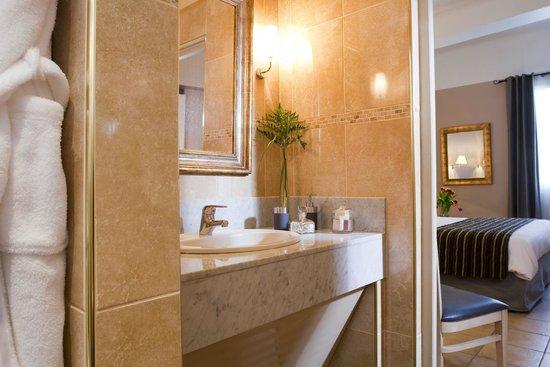 Hotel Artéa : Salle de bain