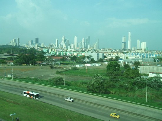 Wyndham Panama Albrook Mall: View of Panama Skyline from room