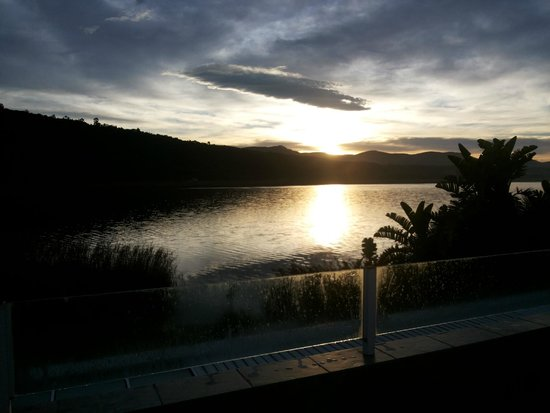 Lake Pleasant Living : sunrise from my balcony villa