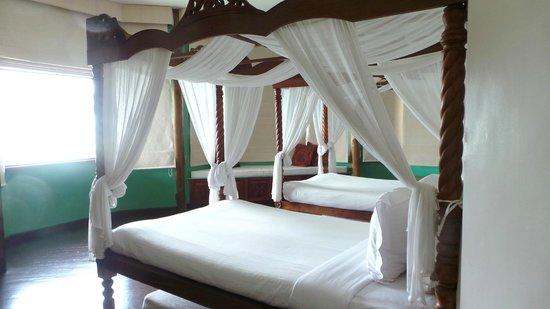 Pearl Farm Beach Resort: Malipano villa room