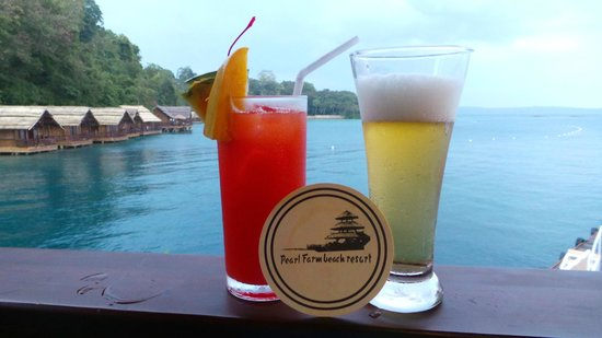 Pearl Farm Beach Resort: happy hour at Parola bar