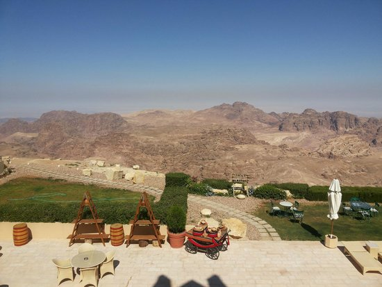Petra Marriott Hotel : The fantastic view. This is morning, evenings are even better