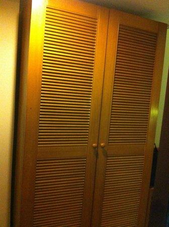 Weta International Hotel: wardrobe oldfashioned