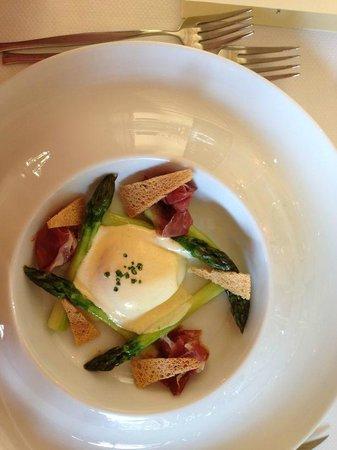 Bellevue: 63 deg egg - very tasty