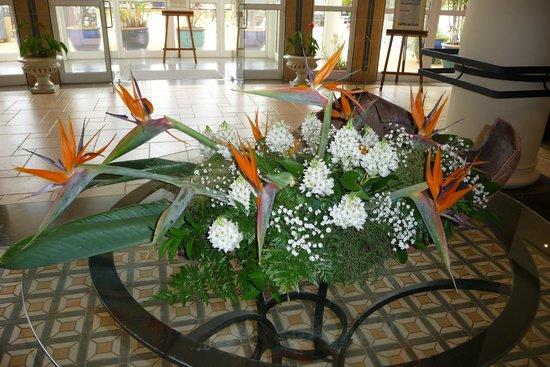 Porto Santa Maria Hotel: Bloemen kunstwerk