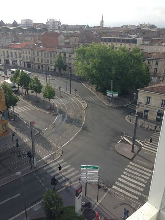 Ibis Bordeaux Centre Meriadeck : Vista dalla finestra