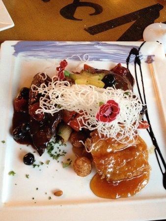 Restaurant Diferent: Trio Känguru,Krokodil und Strauß