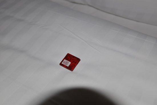 Elanaz Hotel Istanbul: ベッドにチョコのおもてなし