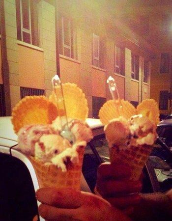 La Gelateria della Musica: Due mega gelati buonissimi! :3