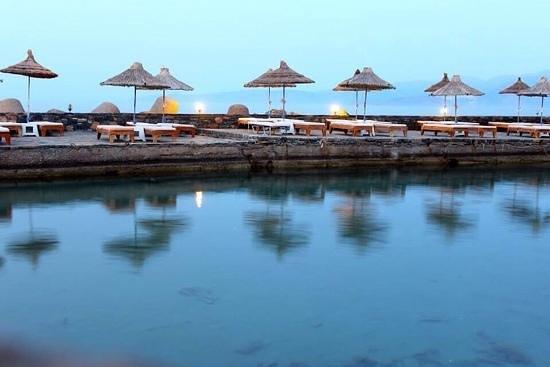 Sensimar Elounda Village Resort & Spa by Aquila : Пляж на закате