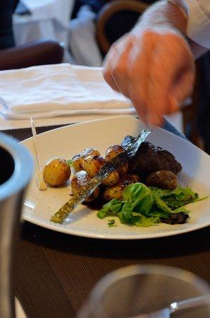 Restaurant des rochers : Filet de boeuf au wasabi, grenailles aux algues