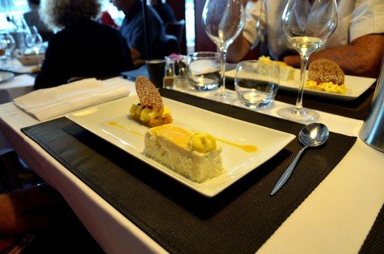 Restaurant des rochers : Riz à l'impératrice, légèremet parfumé à l'orange, ananas rôti et passion