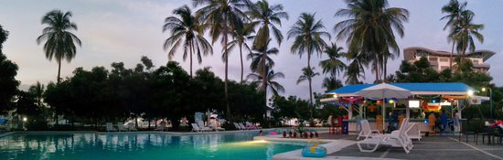 Puerto Azul Boutique Resort & Marina: The Hotel Pool