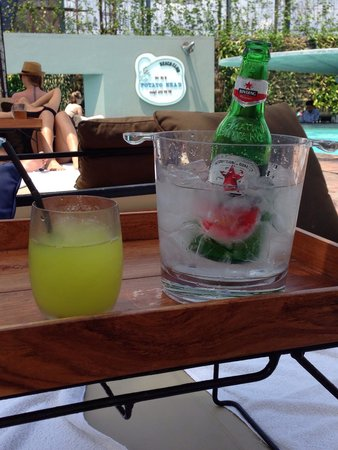 Potato Head Beach Club: Ice bucket to keep beers chilled