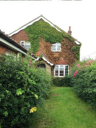 YHA Blaxhall: the old school master's cottage